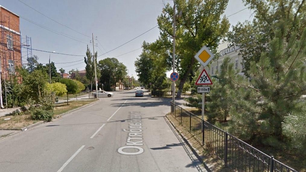 В Таганроге женщина-полицейский сбила 11-летнюю девочку на пешеходном переходе в центре города
