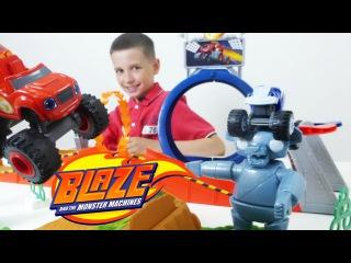 Гонки! Построим трек. Чудо машинки: Вспыш и Крушило у Кости ИгроБой! Игрушки для мальчиков!