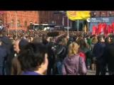 Акция памяти жертв теракта в петербургском метро на Манежной площади в Москве