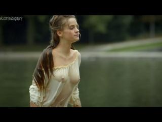 Ноэми Шмидт (Noémie Schmidt) в сериале Версаль (Versailles, 2015) s01e01 (1080p)
