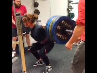 Изабелла фон Вайзенберг - присед 170 кг