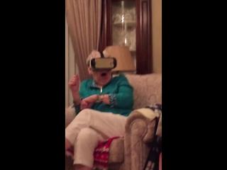 Когда динозавр в виртуальной реальности последовал за тобой