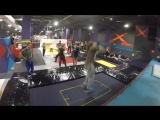 Акробатика в батутном парке!