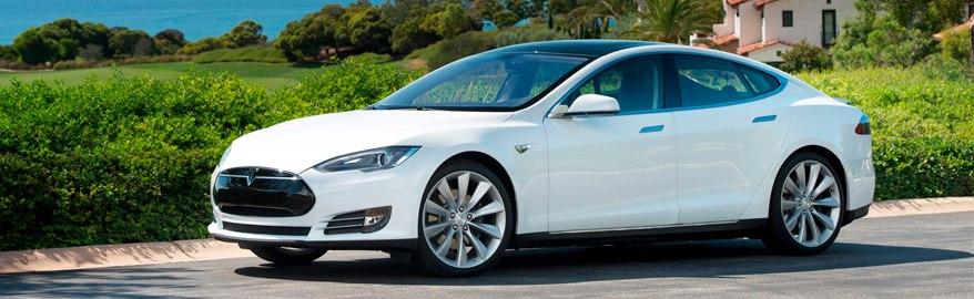 Краш-тесты для Tesla S и BMW i3 оказались неудачными