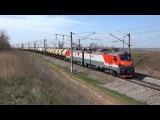 Электровоз 2ЭС5-005 с грузовым поездом