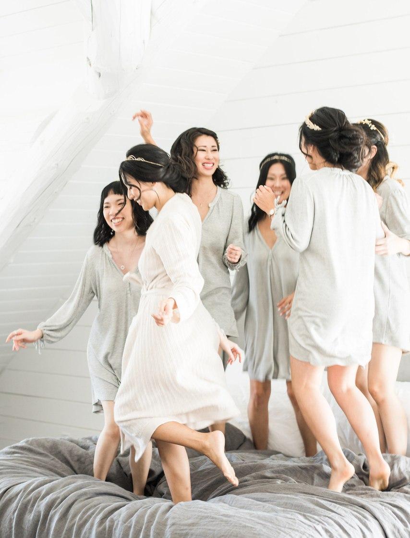 Особенные молодожены. Они смогли выбрать лучшего ведущего на свадьбу. Ведущий на свадьбу в Волгограде, тамада на юбилей, ведущий на торжество. Заказать: +7(937)-727-25-75 и +7(937)-555-20-20