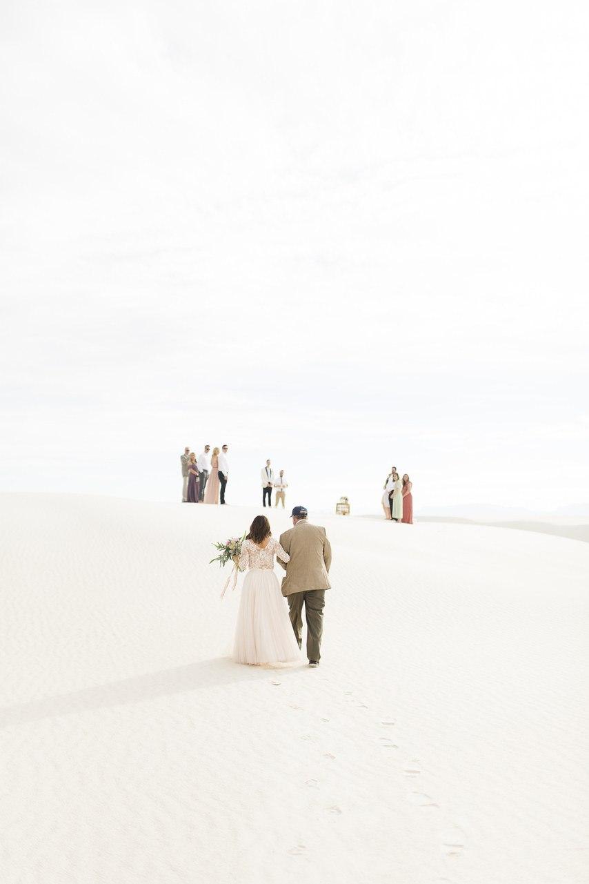 iocGEM1z8uQ - Он был известен как незаменимый ведущий на свадьбу (30 фото)