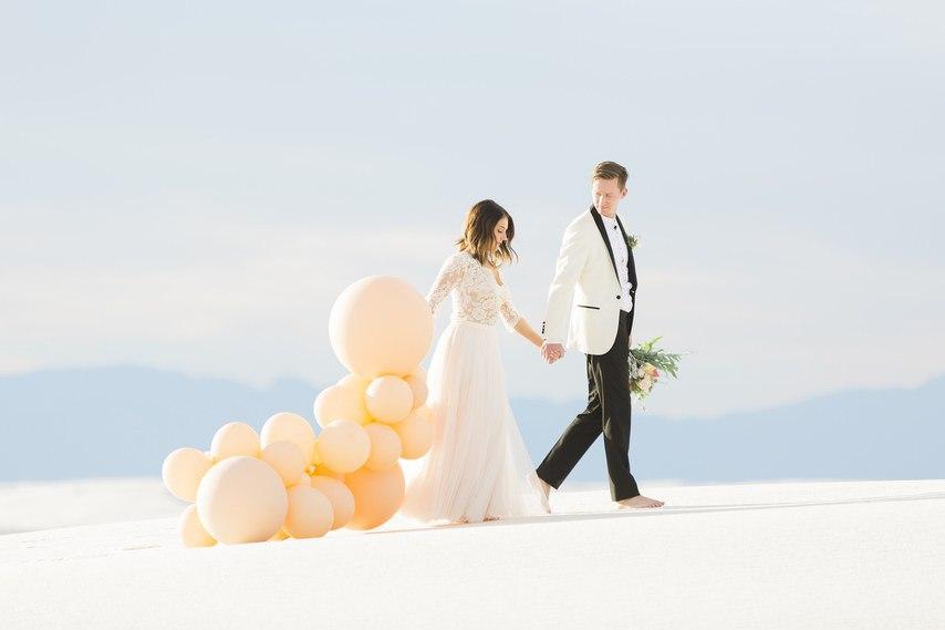 FVnajH7ZevM - Он был известен как незаменимый ведущий на свадьбу (30 фото)