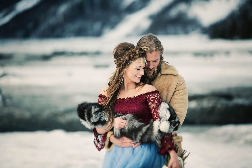 83q6scvdqXo - Им были не знакомы обычаи русской свадьбы, но в душе они были русскими (33 фото)