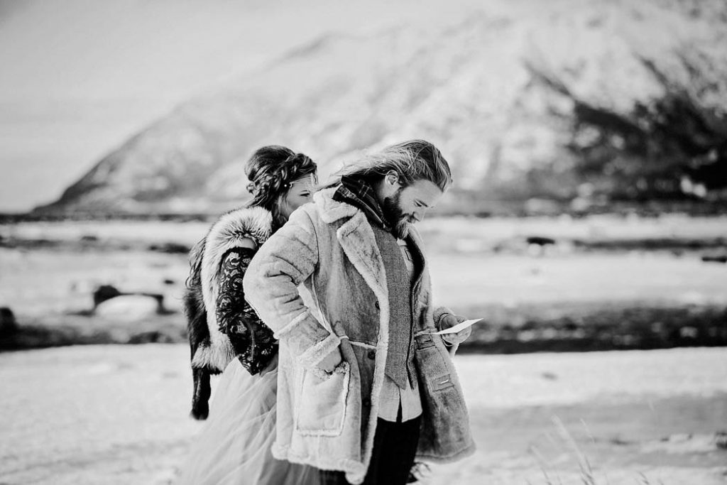 v0wlS8iUmzE - Им были не знакомы обычаи русской свадьбы, но в душе они были русскими (33 фото)