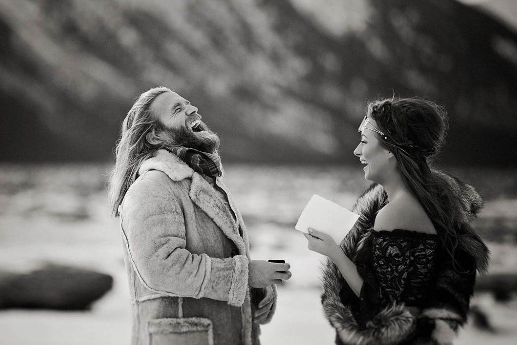 tLhmQBZnAPI - Им были не знакомы обычаи русской свадьбы, но в душе они были русскими (33 фото)