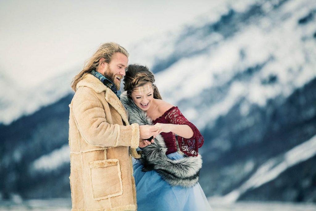 oACh9zUxxVE - Им были не знакомы обычаи русской свадьбы, но в душе они были русскими (33 фото)