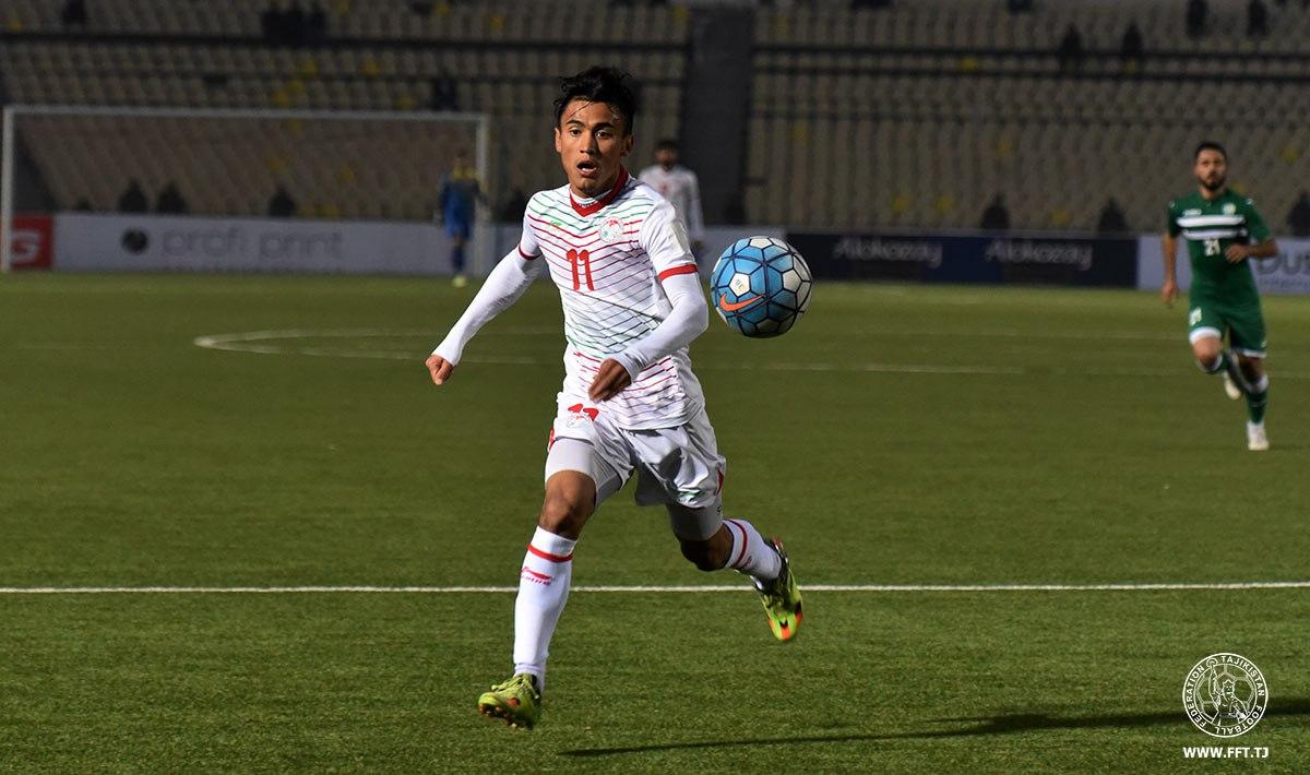 Таджикский футболист продолжит карьеру в чемпионате Бахрейна