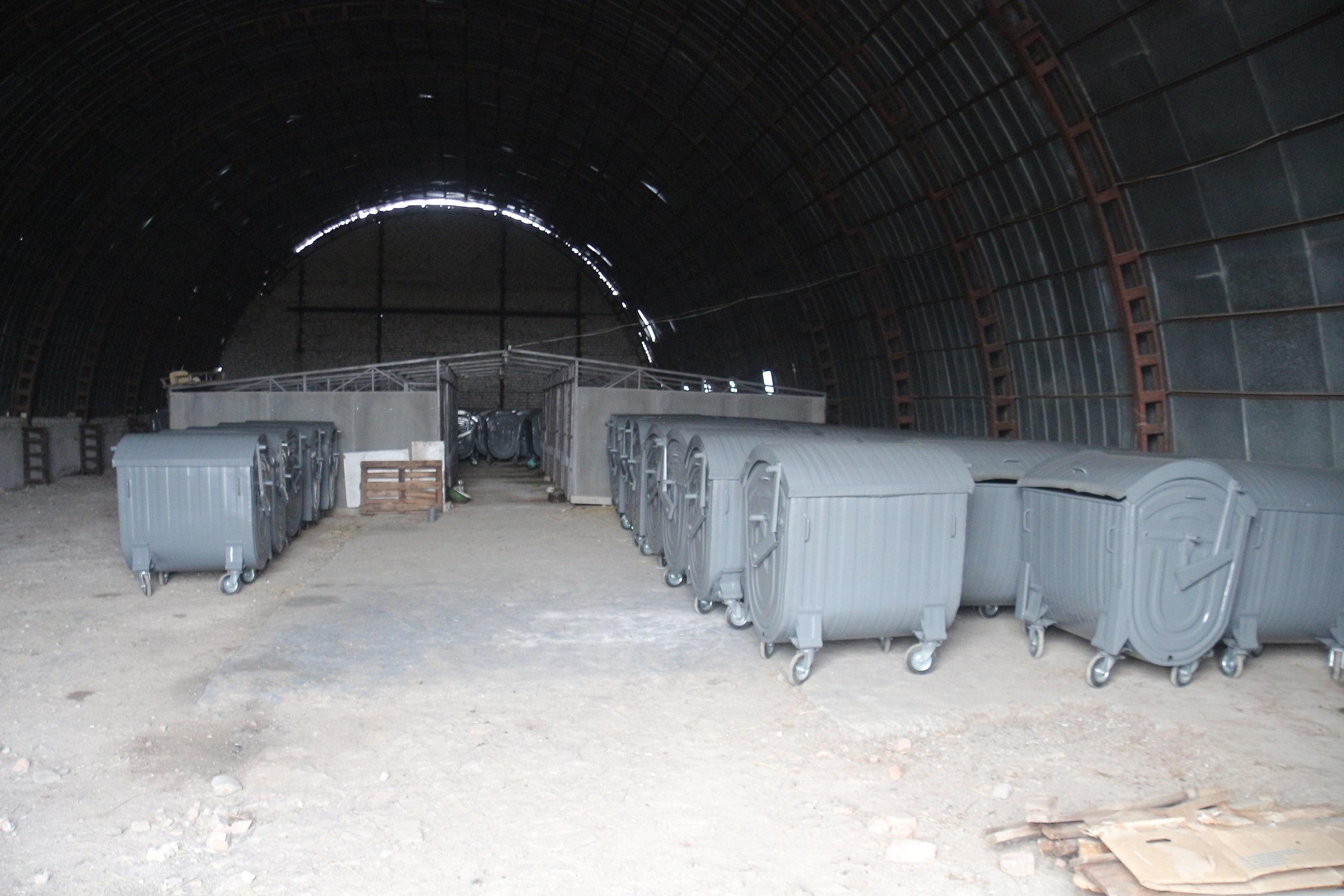 Херсонский департамент ЖКХ украл пол миллиона на закупке контейнеров?