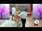 Первый утренник Саши Здравствуй осень. Саша девочка танцует и поет. Sasha girl dances and s...