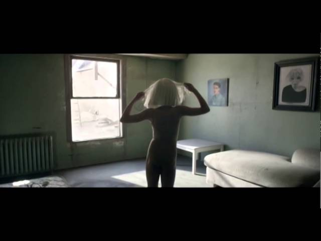 Musicless Musicvideo / SIA - Chandelier
