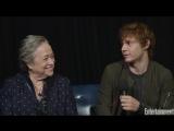 Эван Питерс и Кэти Бейтс, интервью на PopFest от Entertainment Weekly, 31.10.16