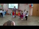 Танец в паре. 8 марта в детском саду.