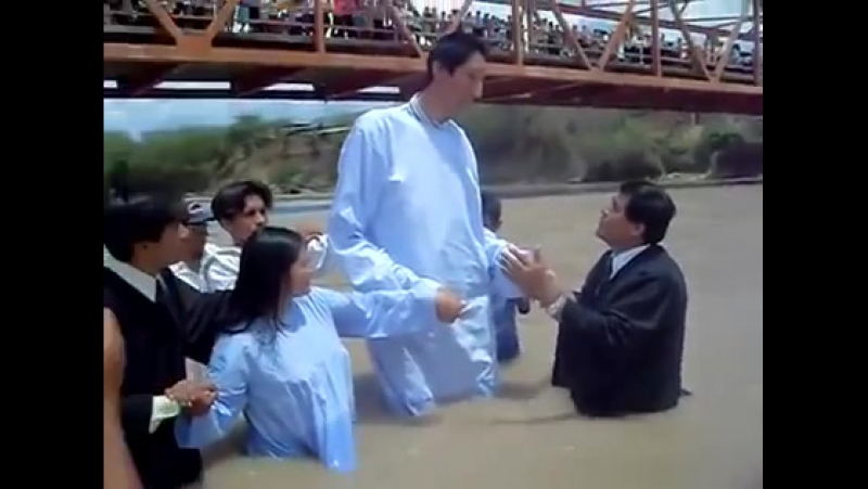Baptism of World Tallest Man Sultan Kösen 251 сантыметраў