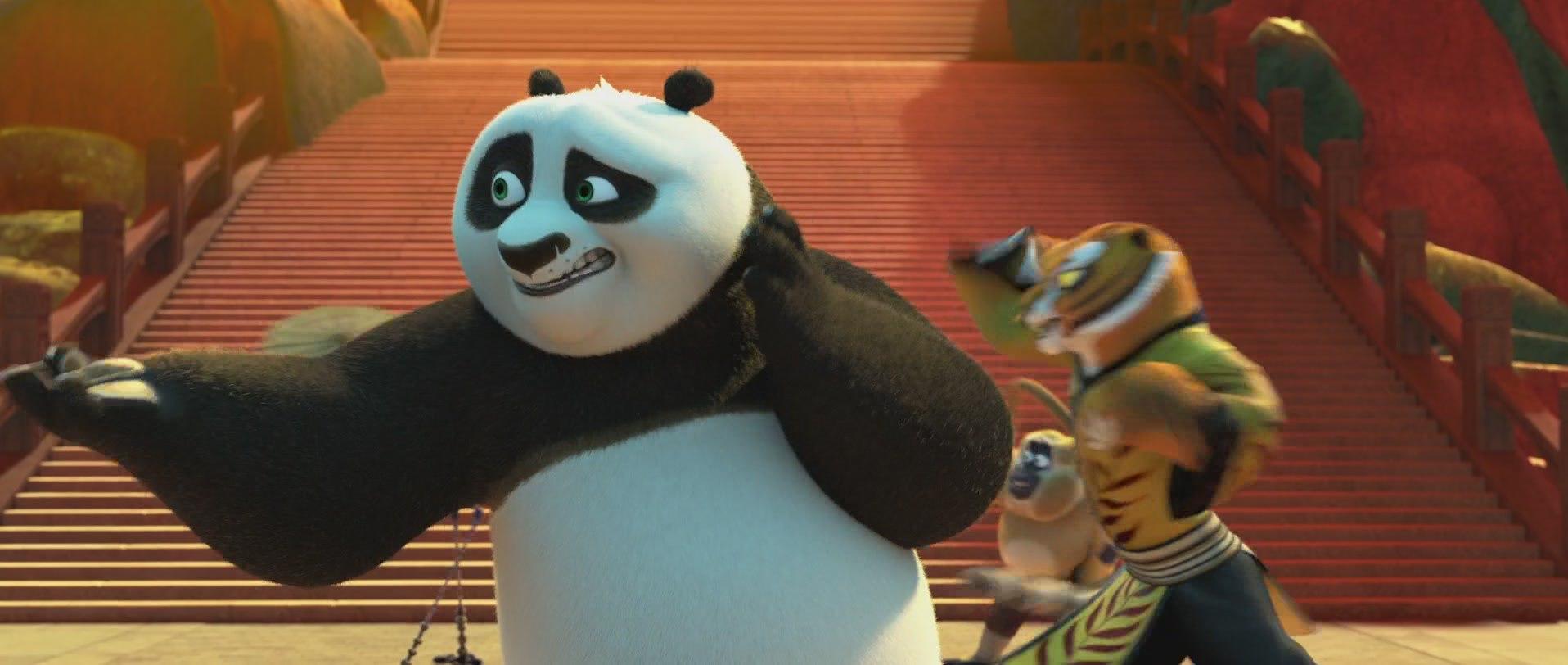 панда кунг-фу на тренировке