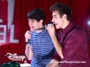 """Violetta 3 - Leon, Diego y los chicos cantan """"Ven con nosotros"""""""