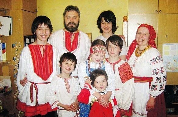 Многодетная семья возродила деревню