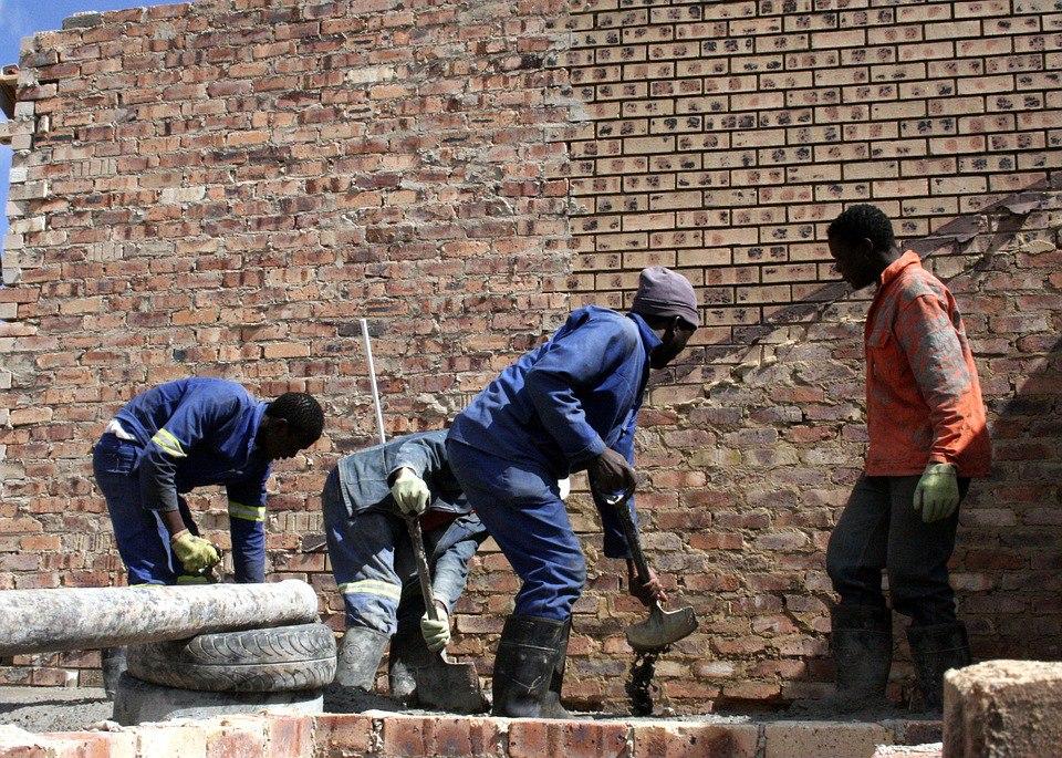 Паттайе один каменщик создает рабочих мест избавиться