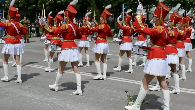 Девушки барабанщицы Луганск День Победы 09 05 2016