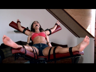 Gagged and tickled Iwia