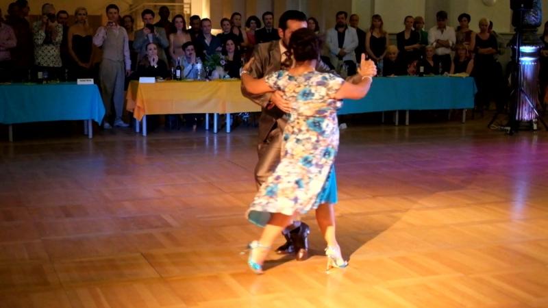 Грасиела Гонзалес и Леонардо Сарделла. Выступление на ночной милонге фестиваля Танго Белых Ночей 11 июня 2016.