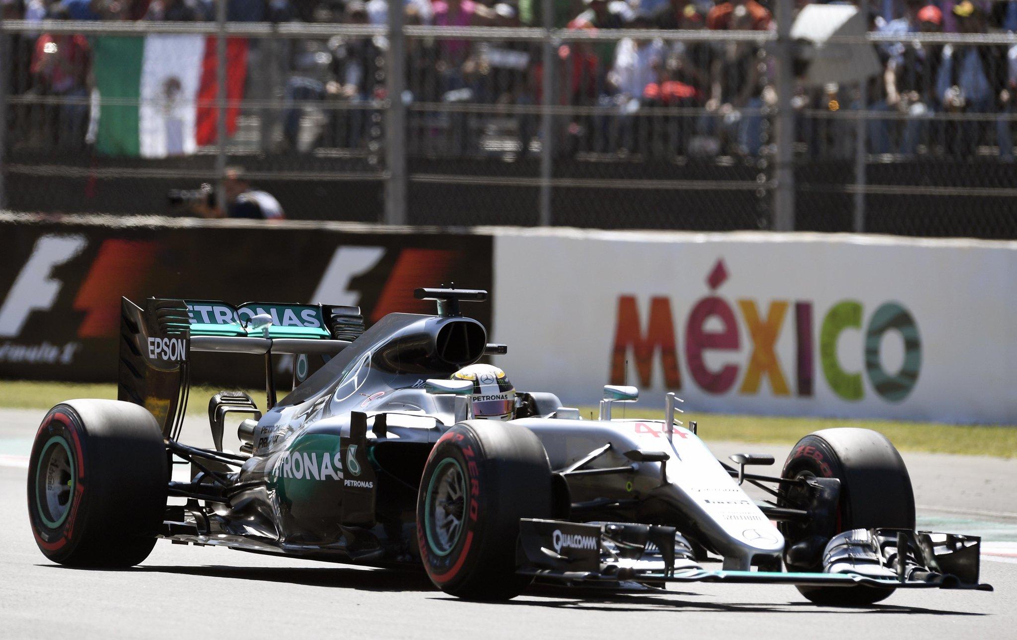 Квалификацию Гран-При Мексики одержал победу Льюис Хэмилтон