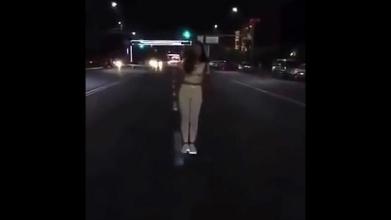 YOLDA MÖHTƏŞƏM RƏQS.(Супер танец на дороге) Papitto
