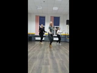 Ksenia Motion. Salsa Lady Style. Basic routine