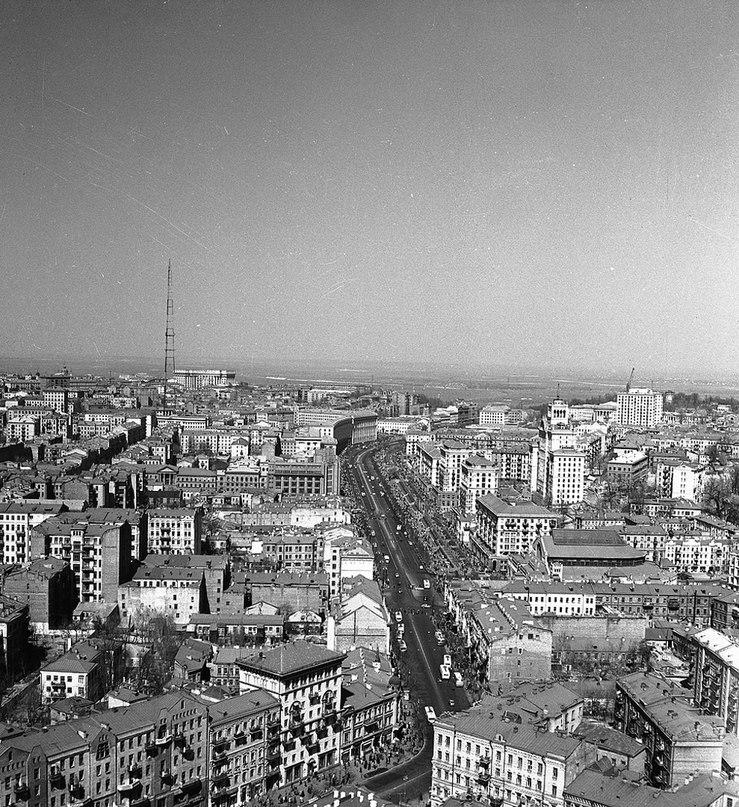 Киев, апрель 1960 года. Снимки с вертолёта, ул. Красноармейская и Крещатик. Фото: Ирина Пап