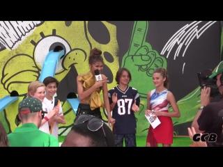 Зендая и актеры сериала «Никки,Рикки,Дикки и Дон» на «Kids Choice Sports».