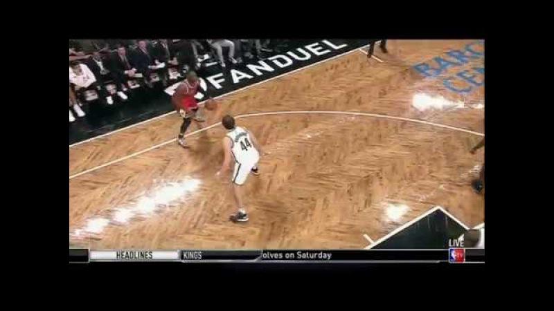 Dwyane Wade crossover on Bojan Bogdanovic finish - Brooklyn Nets vs. Chicago Bulls - 31102016