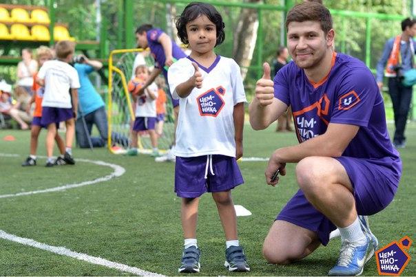 Первый футбольный клуб для дошкольников «Чемпионика», ищет Тренера по футболу для проведения занятий в г. Донецк.
