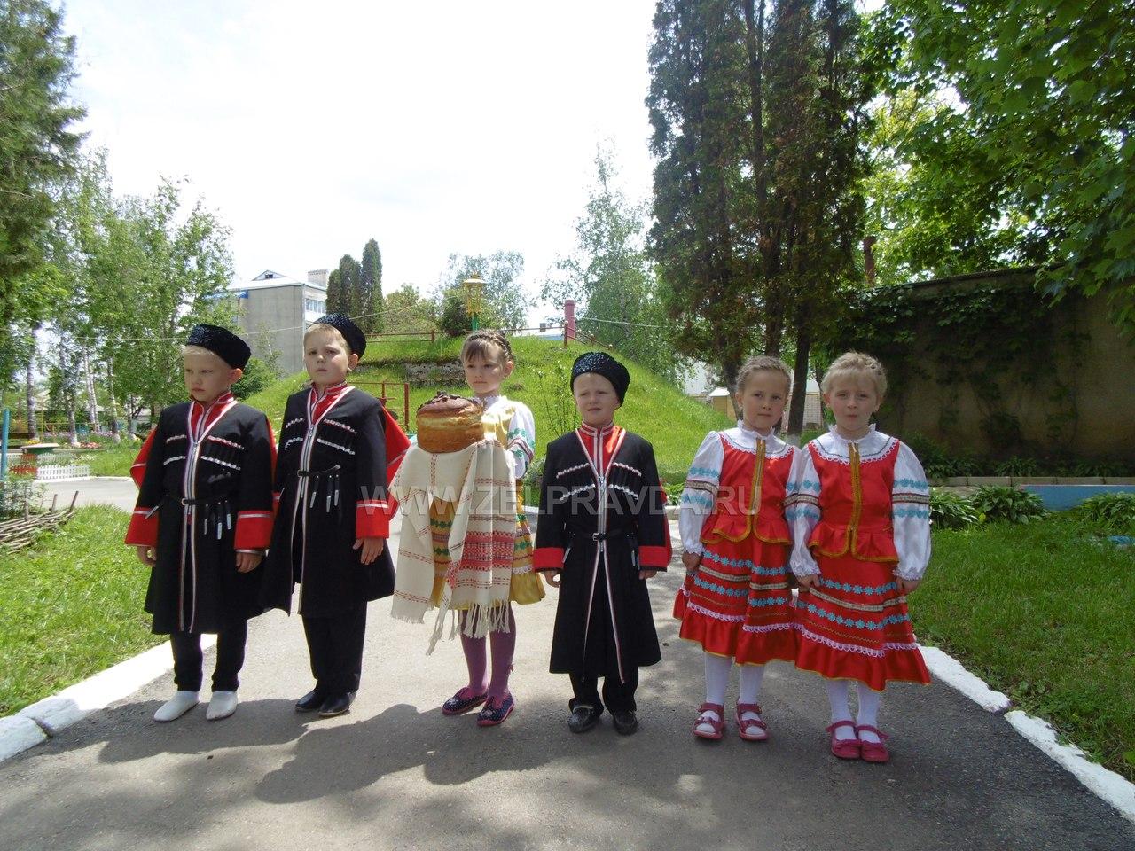 Атаман Кубанского казачьего войска посетил детский сад станицы Зеленчукской