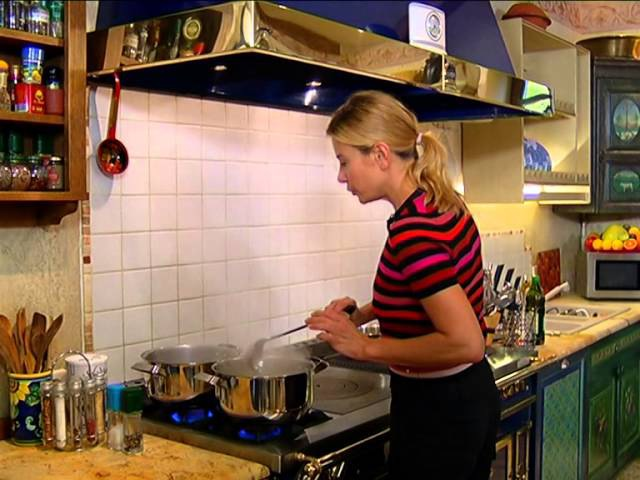Едим дома ! с Юлией Высоцкой - Венецианский обед (25.11.2012)
