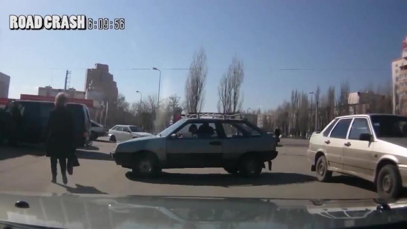 Авто приколы 2016 подборка 4 ДТП драки на дороге Опасные быки Блондинки за рулем