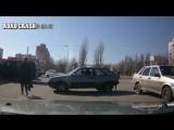Авто приколы 2016 подборка 4  ! ДТП ! драки на дороге ! Опасные быки ! Блондинки за рулем !