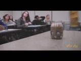 Учитель принес банку в класс пустую ( Добавь себе это видео )