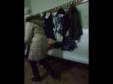 девочка ненавидит и любит Арину Карулян