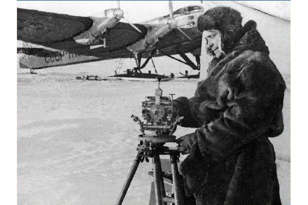 Советские полярники - первые в мире люди, достигшие Северного полюса