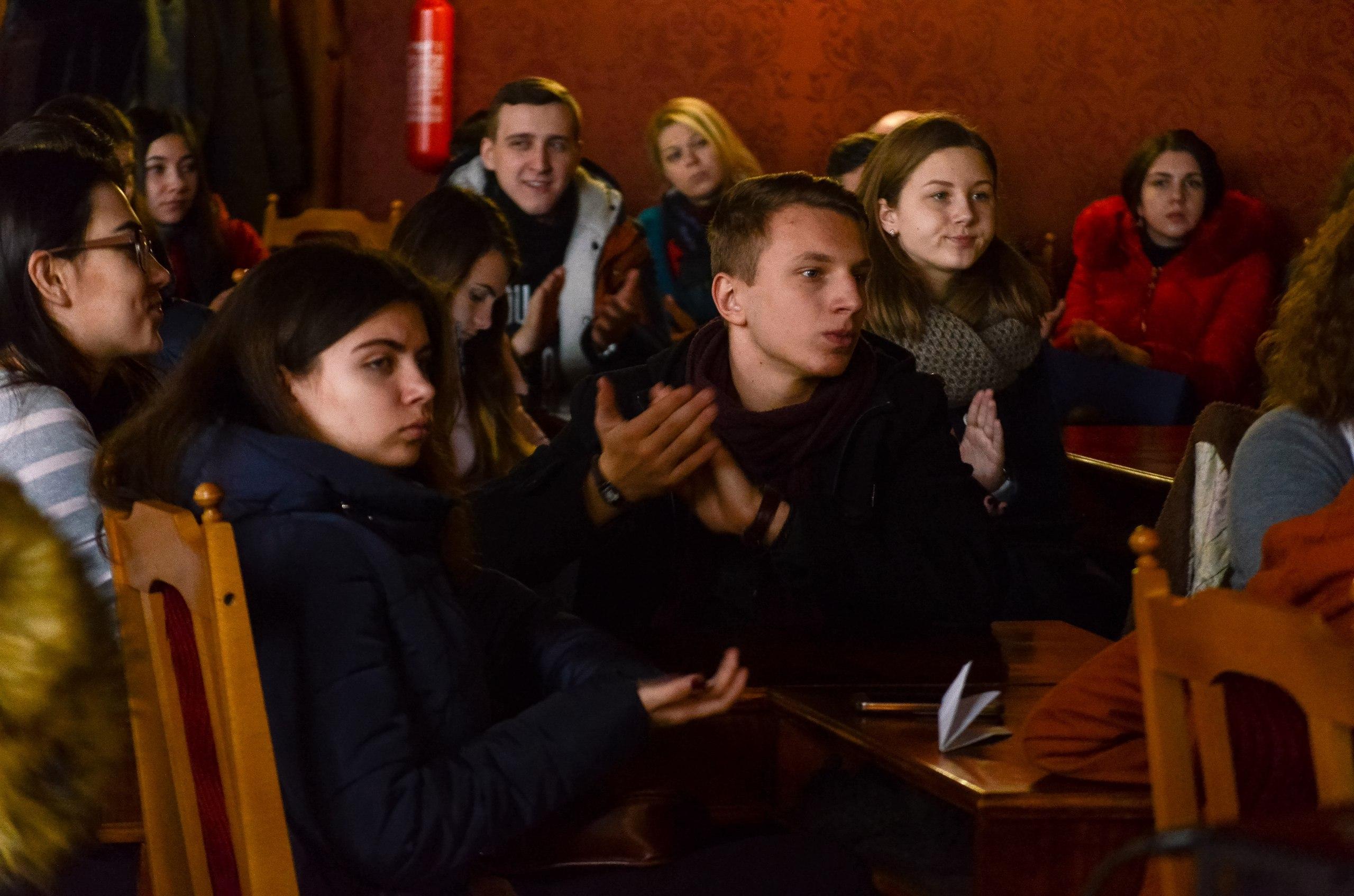 """""""1940-ві роки та сьогодні"""" —  фільм про переселенців презентували у Чернівцях (ФОТОРЕПОРТАЖ)"""