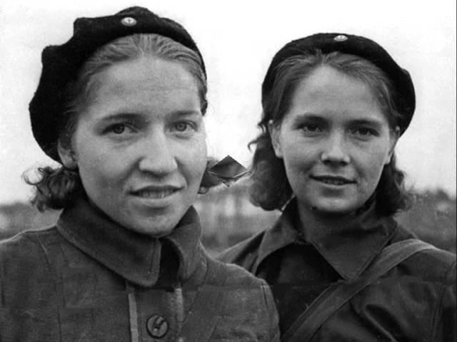 Девчонки и война