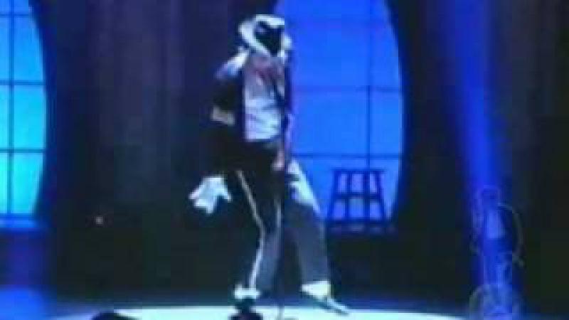 Billie Jean: Michael Jackson (the best ever moonwalker )