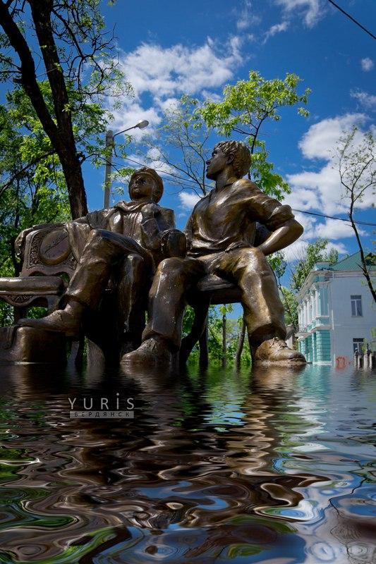 Памятники Бердянска, Alt Бердянск, дети лейтенанта Шмидта, Остап Бендер, Шура Балаганов