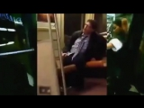 Пьяный мужик исполняет Get Low