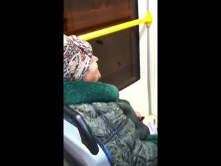 Бабка троллит в трамвае. Краснодар. Часть 3.Все фашисты